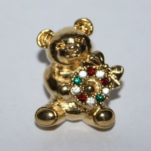 Adorable vintage Christmas Teddy bear pin